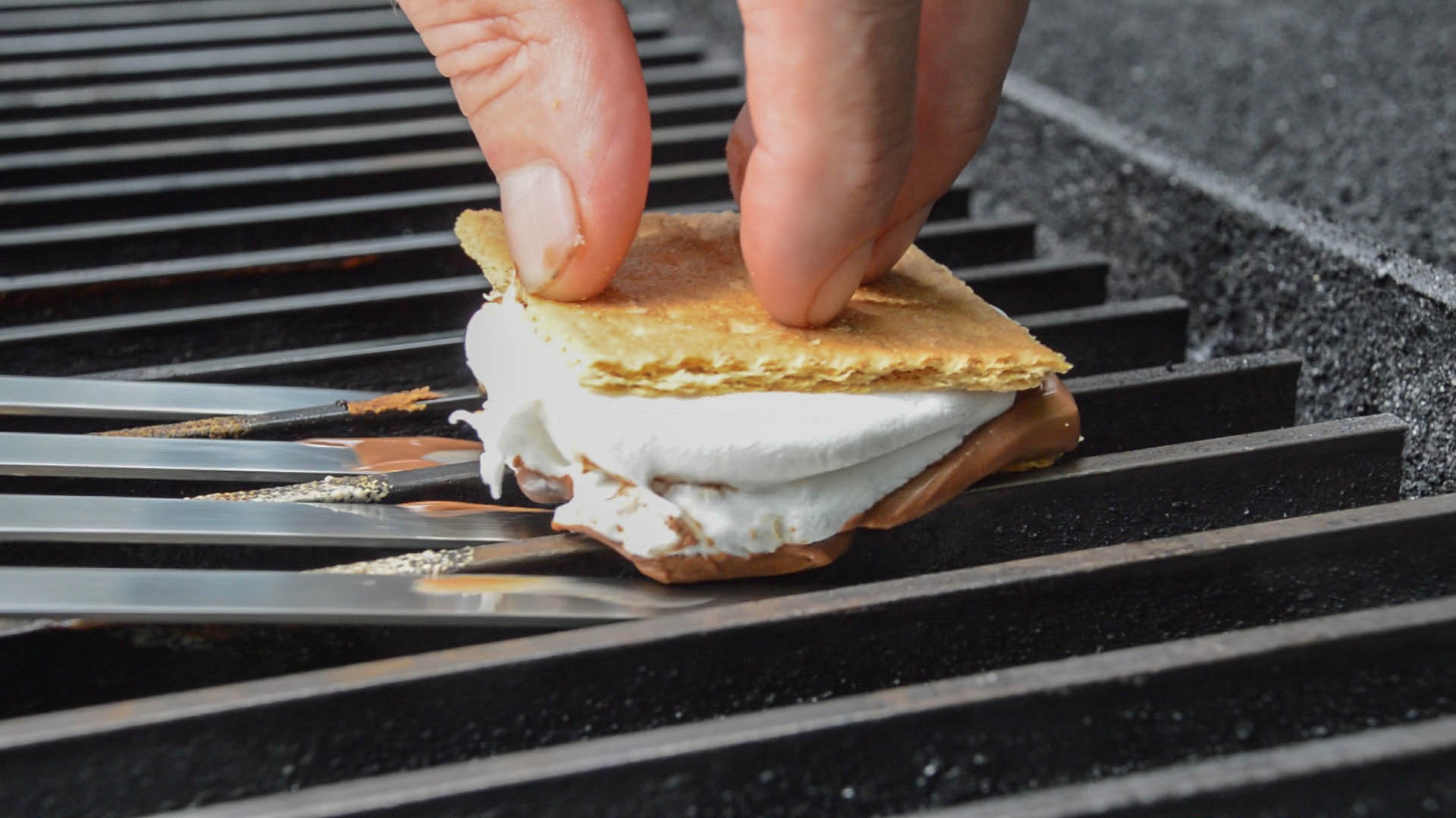 Grate Grilled S'mores
