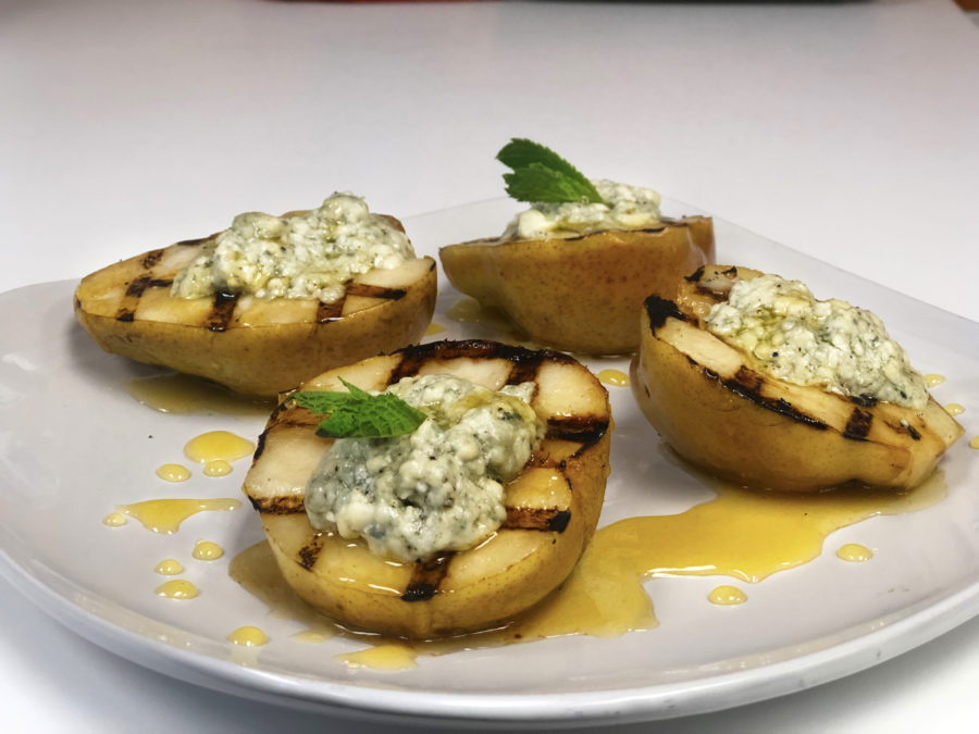 Grilled Pears with Gorgonzola Cheese