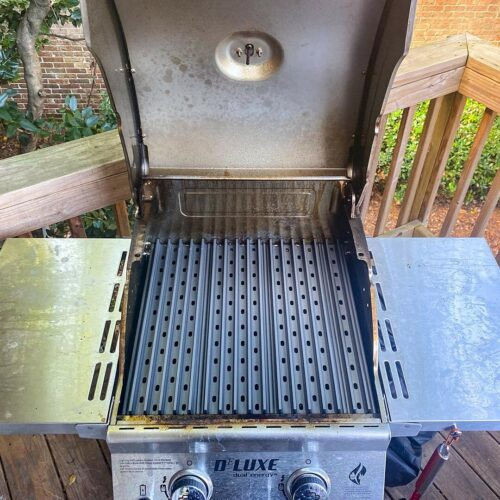 Deluxe 2-Burner Propane Gas Grill in Red with replacement GrillGrates
